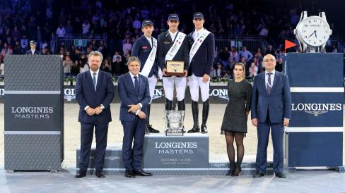 Christophe Ameeuw, Director of EEM; Juan Carlos Capelli, Vice President Longines and Head of International Marketing; Gregory Wathelet, 1st place; Bertam Allen, 2nd place; Daniel Deusser, 3rd place; Fernanda Emeuuw, Ambassadress of the Longines Masters; Jean-Louc Poulain, Director of CENECA. - Longines Grand Prix 1.60